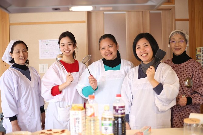 Cooking lesson! Learn to make Tokamachi's local specialities from local moms