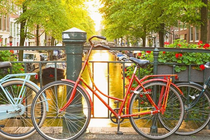 Amsterdam City Center & History Guided Walking Tour - Semi-Private 8ppl Max