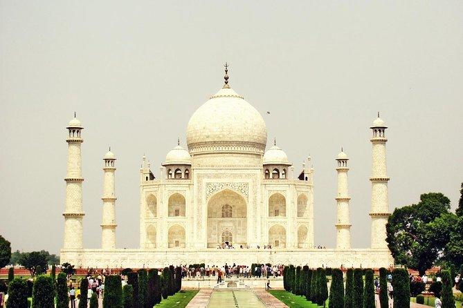 The Taj Grandeur Tour