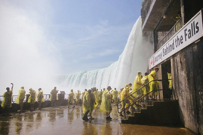 Luxury Small Group Gems of Niagara Tour with Cruise & Journey Behind the Falls