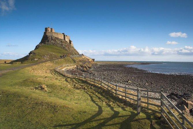 Alnwick Castle and Lindisfarne Day Trip from Edinburgh