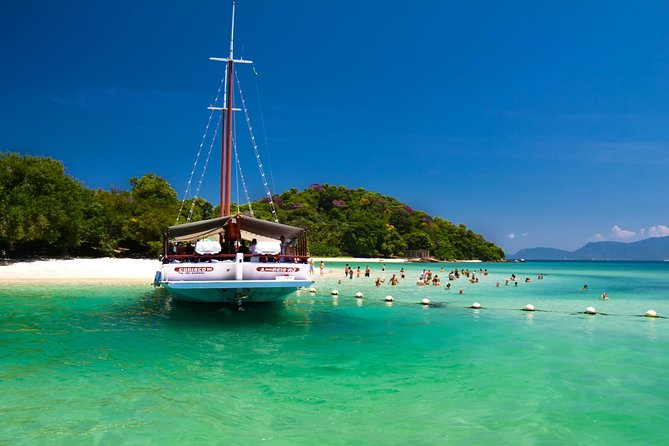 Angra do Reis Full-Day Private Boat Charter from Rio de Janeiro