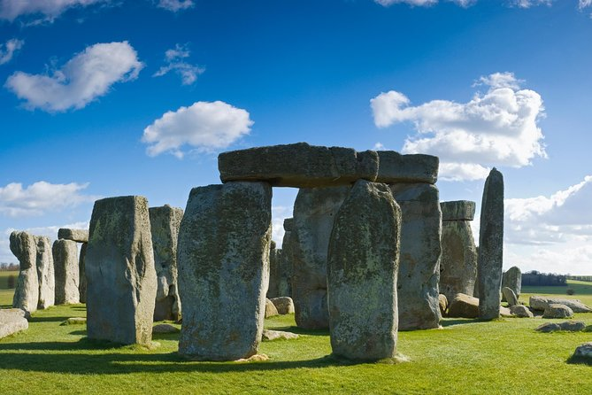 Windsor, Stonehenge and Bath Small Group Tour from London