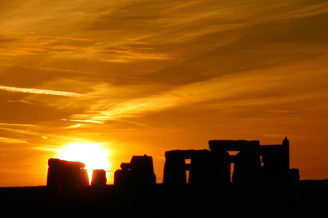 Stonehenge Summer Solstice Sunrise Shuttle by Coach from London