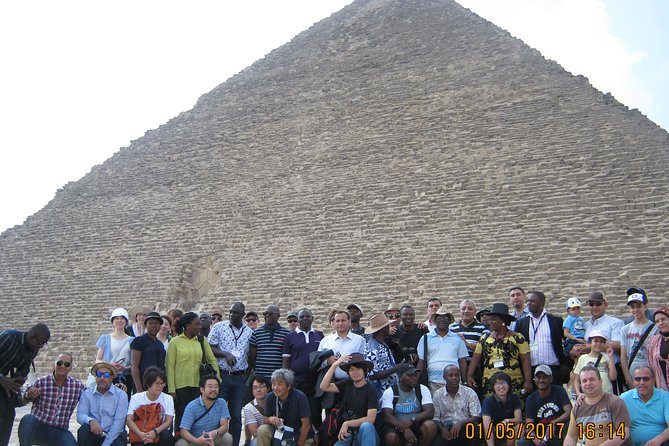 Private full day tour to Giza Pyramids, Sphinx, Sakkara and Dahshour with guided