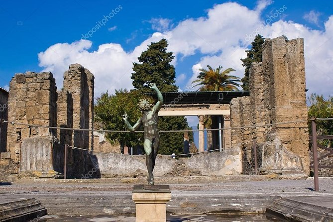 Transfer from Sorrento to Naples with stop at Pompeii
