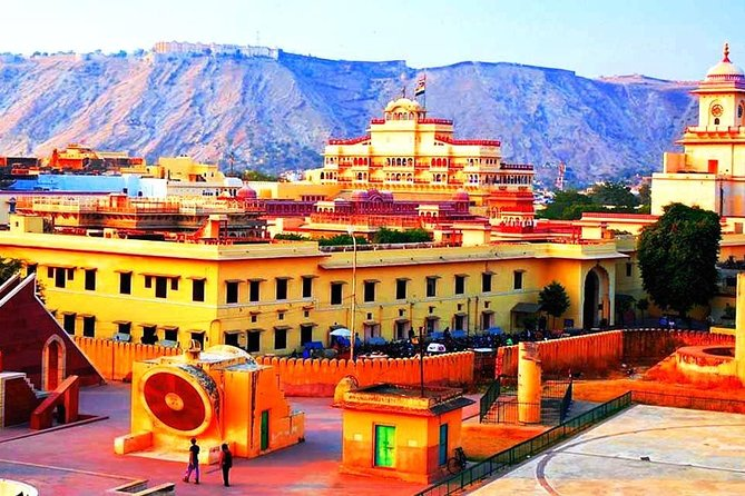 Jaipur, Udaipur Pink City and Lake City 5-Night Tour by Private Vehicle