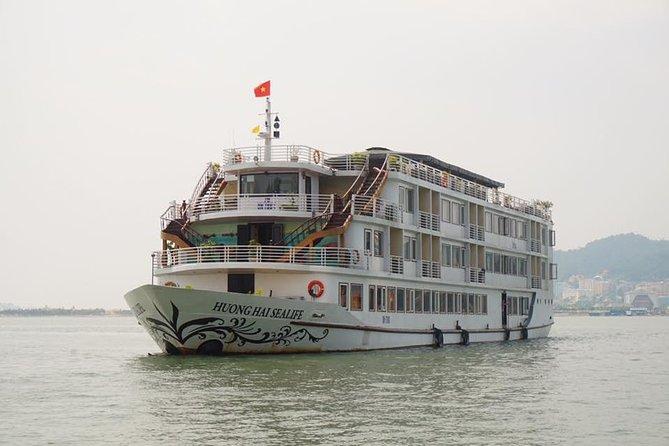 Crucero de una noche en la bahía de Halong con comidas y bebida de bienvenida
