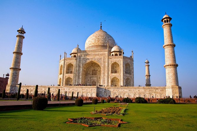 Private Tour: Taj Mahal Sunrise and Agra Fort Day Tour from Delhi
