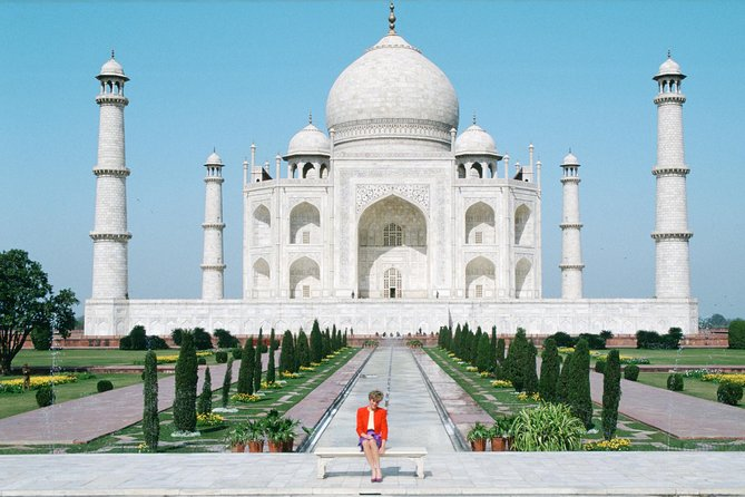 Same Day Taj Mahal Tour by Car From Delhi