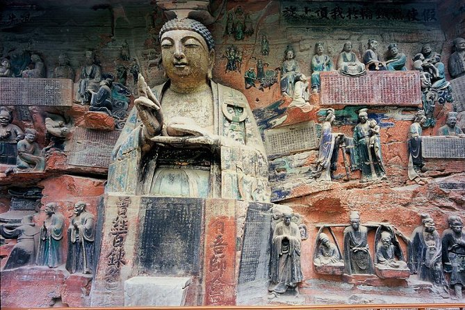 Viagem de um dia com o ônibus de classe executiva até a Dazu Rock Carvings, UNESCO Reconhecida