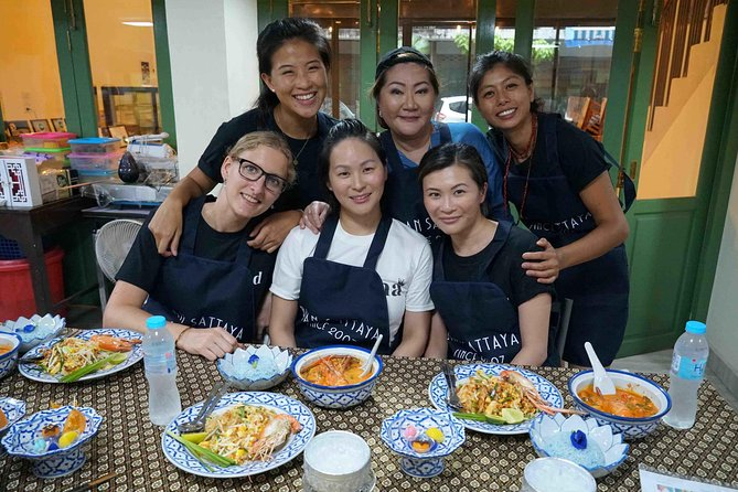Famous Thai Food And Dessert Cooking