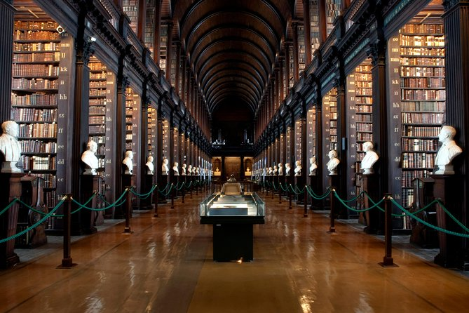 Tour met vroege toegang tot het Book of Kells, plus Dublin Castle
