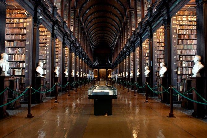 Snabbspår Easy Access Book of Kells Tour med Dublin Castle