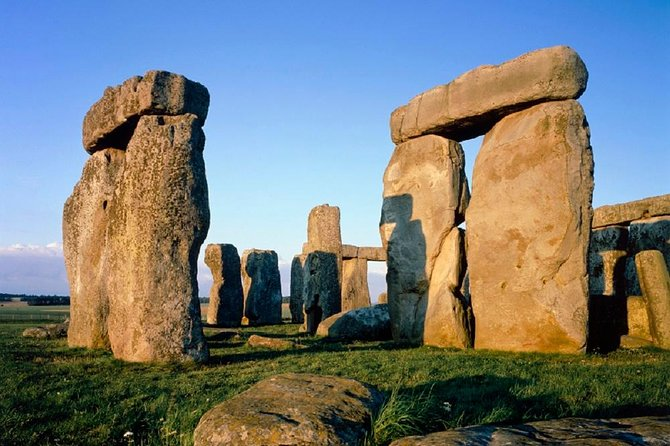 Small Group Stonehenge, Bath and Secret Place Tour from London