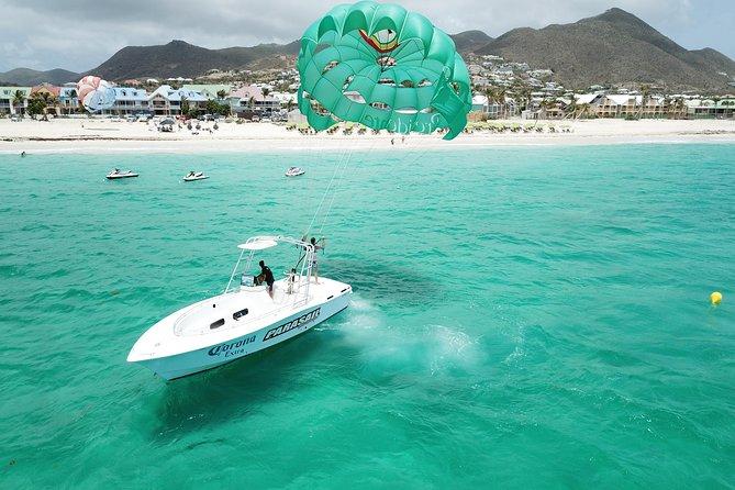 Parasailing Orient Bay Beach Sint Maarten