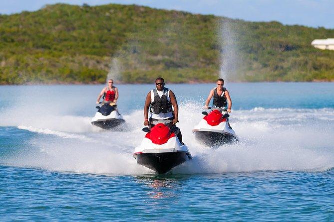 Isla de San Salvador en moto acuática