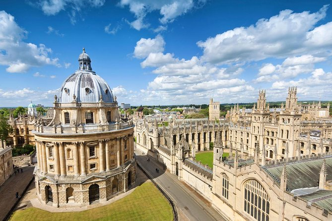 Private Chauffeured Minivan Tour to Oxford from London