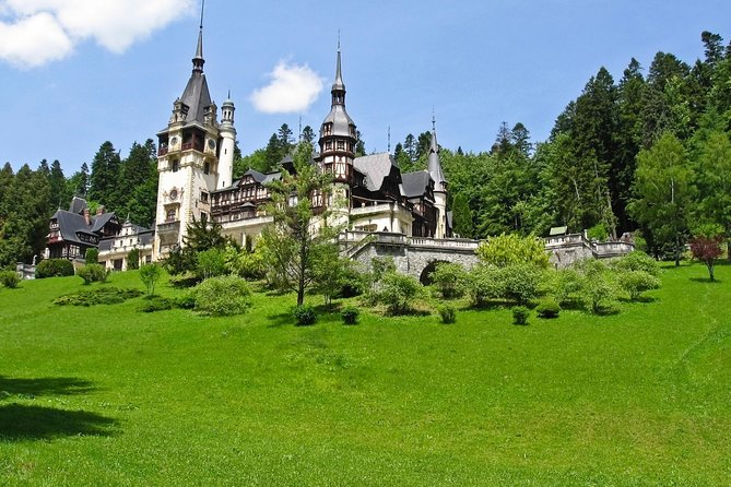 Small-Group Castle, Canyon and Sparkling Wine Day Trip from Brasov