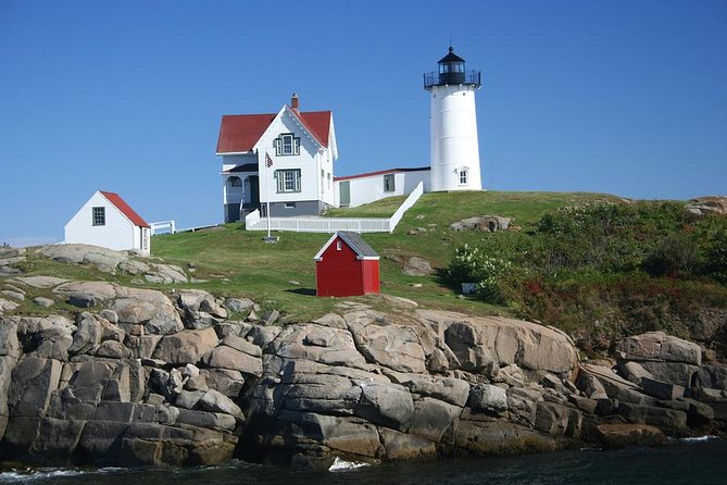 Full Day Maine Lighthouse Trail Tour from Nashua NH