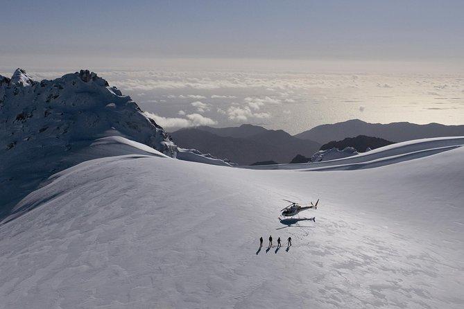 Excursão de helicóptero de meio dia a Milford Sound saindo de Queenstown