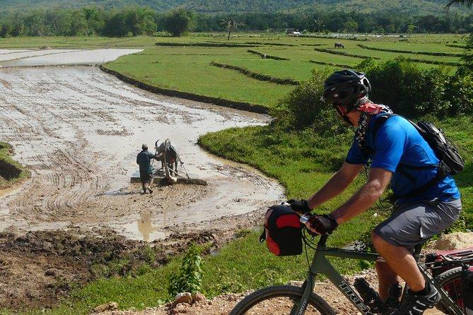 Excursión de 3 días en bicicleta y en barco por la bahía de Halong desde Hanoi