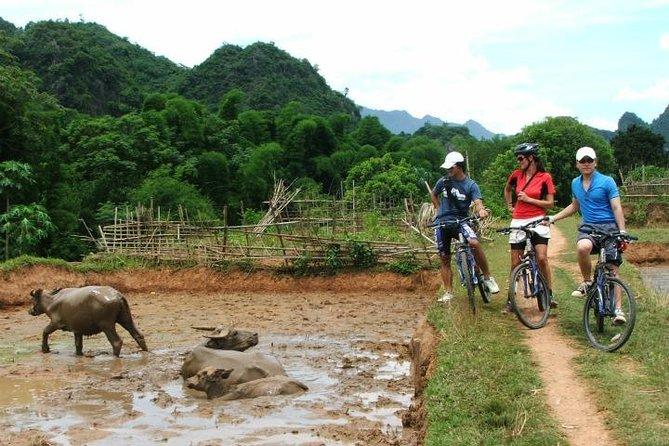 Excursión en bicicleta por el valle de Mai Chau de 3 días desde Hanoi