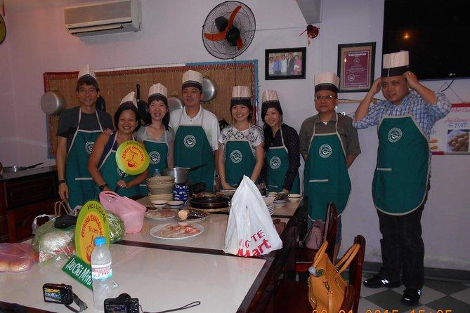 Clase de cocina y visita a la ciudad de Ho Chi Minh todo el día.