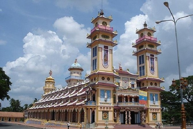 Cu Chi Tunnels and Cao Dai Temple Full Day Tour from Ho Chi Minh City
