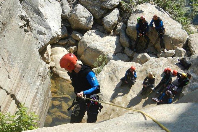 Pause adrénaline: canyoning et rafting avec 1 nuitée