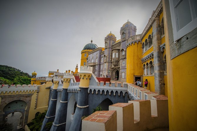 Private Tour to Pena Palace & Moorish Castle or Regaleira plus Natural Park