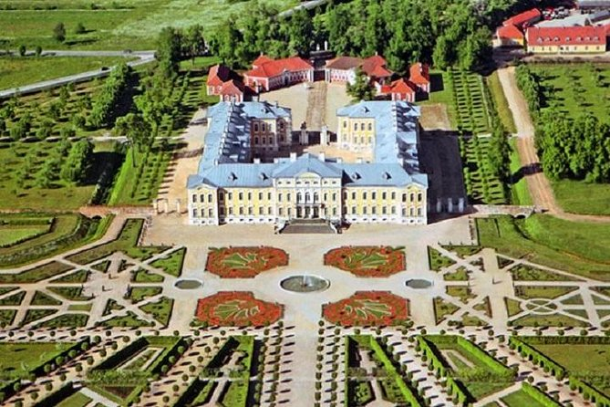 Private Day Tour to Rundale from Riga
