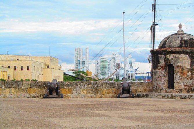 Giri di gruppo: Guida audio muro e bastioni coloniali di Cartagena de Indias