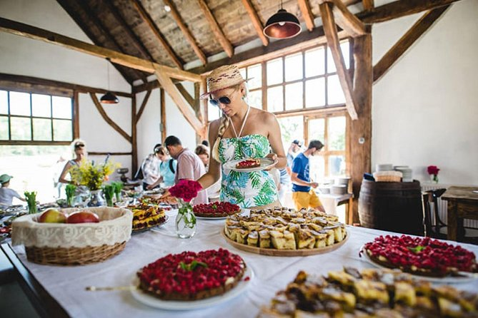 Gastronomical Walking Tour In Brasov