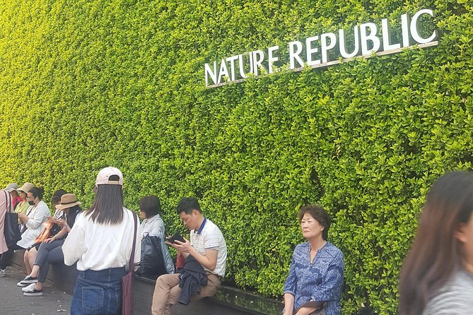 Myeongdong Tour and K-POP Shopping with Traditional Lunch