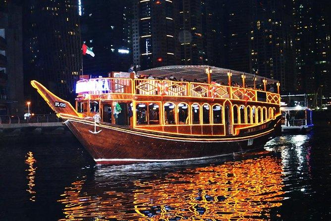 Dhow Cruise langs de jachthaven met diner uit Dubai