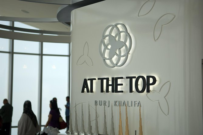 Burj Khalifa 124th Floor Visit with Armani Deli Lunch with Shared Transfers From Abu Dhabi