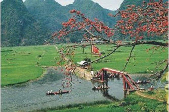 Full-Day Perfume Pagoda Boat Trip och Trekking Group Tour från Hanoi