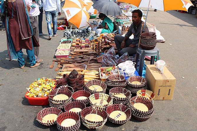 Private Evening Varanasi Handicraft Market tour with dinner and Transfer