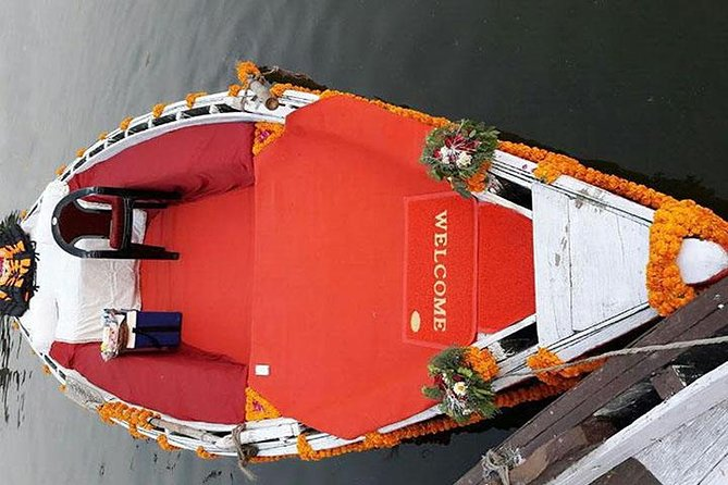 Evening Aarti by Luxury Royal Boat followed by dinner and transfer