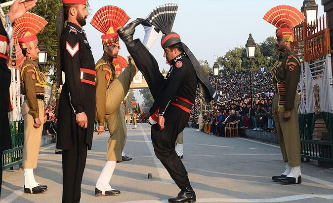 Amritsar Wagah Border Beating Retreat Ceremony and Dinner Experience