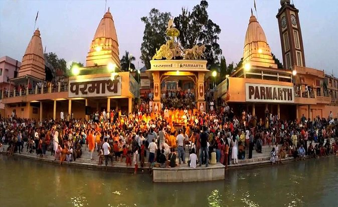 Private Sightseeing Tour of Rishikesh with Evening Aarti on Ganges River