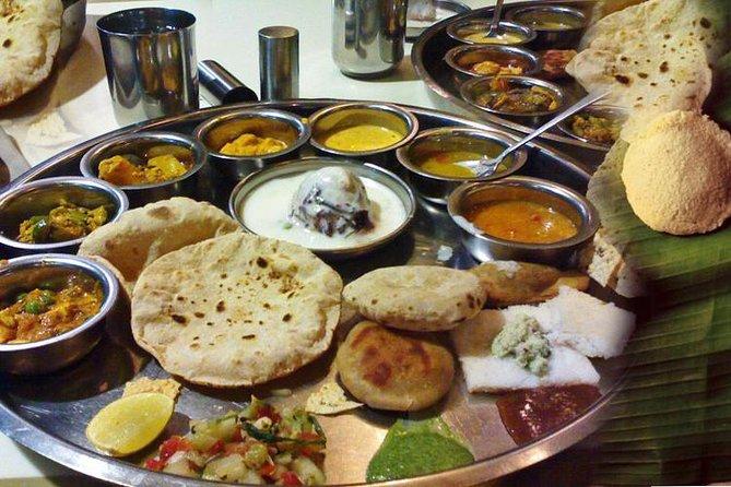 Spectacle de danse kathakali avec dîner et transfert hôtel