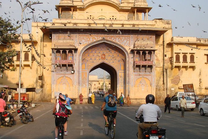 Cyclin'Jaipur - Explore the city on a cycle!