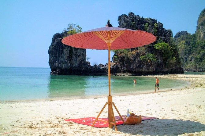 Deluxe Hong Island Tour by Longtail Boat from Krabi