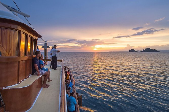 M/Y Lalida Sunset Dinner Cruise in Krabi