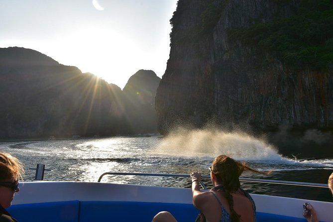 Early Bird Phi Phi Island & 4 Islands Speed Boat Tour by Sea Eagle from Krabi