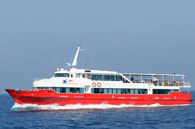 Koh Tao to Surat Thani Airport by Seatran Discovery Ferry and Shared Minivan