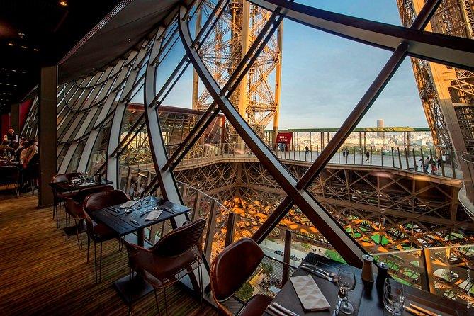 Dîner gastronomique à la tour Eiffel