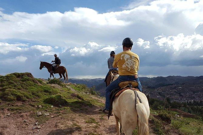 Paseo a caballo alrededor de Sacsayhuamán desde Cuzco